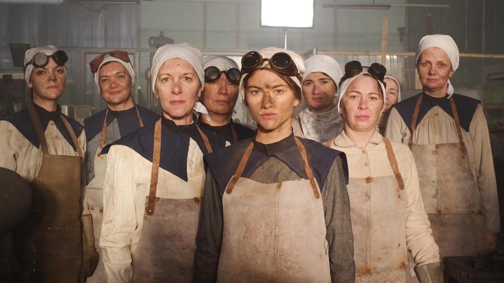 Arbeiterinnen in einer Fabrik  © AK
