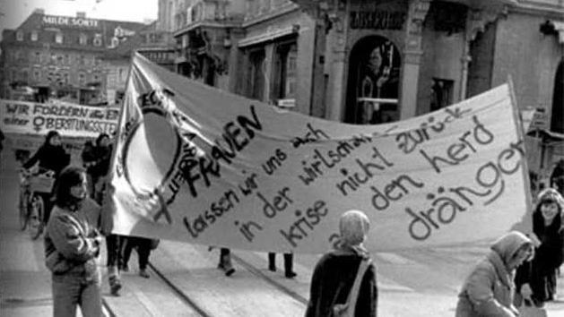 Frauen gehen für ihre Rechte auf die Straße. © Quelle: https://woment.mur.at/index_WOMENT.html